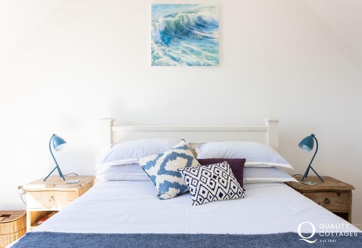 Calming master en suite bedroom