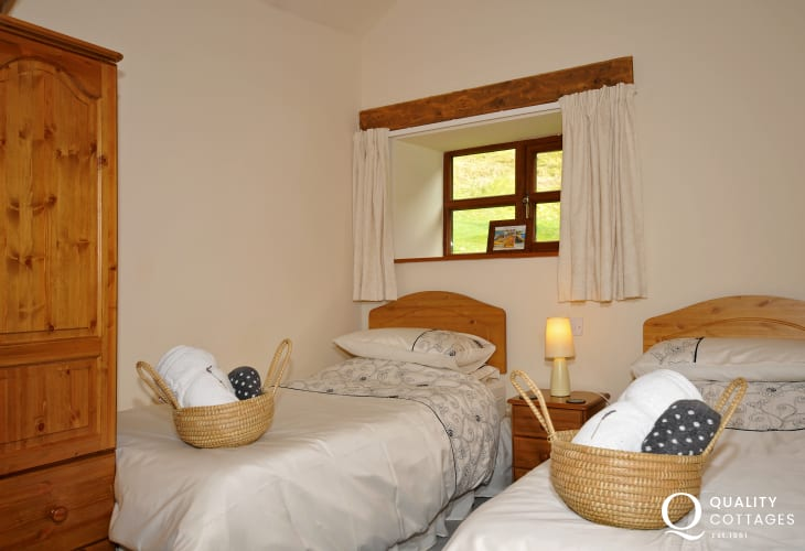 Mid Wales holiday cottage with hot tub - bedroom