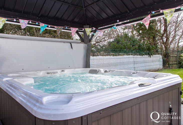 Hot Tub at Amlwch holiday cottage