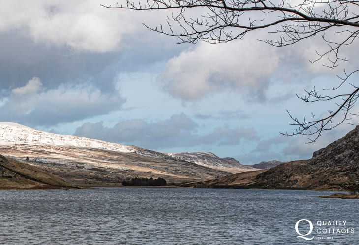 Mountain and Lake View in Anglesey