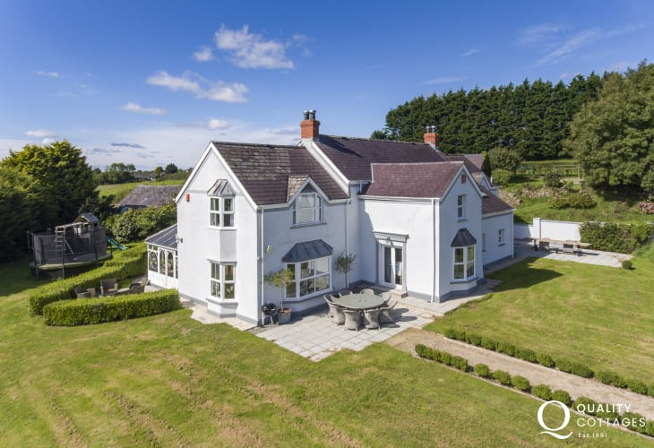 Large holiday home near Tenby