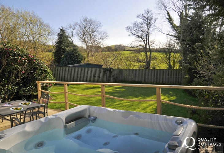 Welsh cottage holiday with hot tub