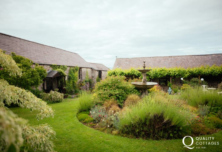 Llanmdoc village cottage holiday for two - exterior