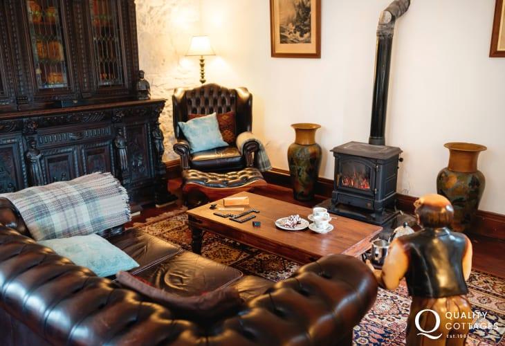 Mumbles nearby holiday cottage sleeps 2 - lounge area