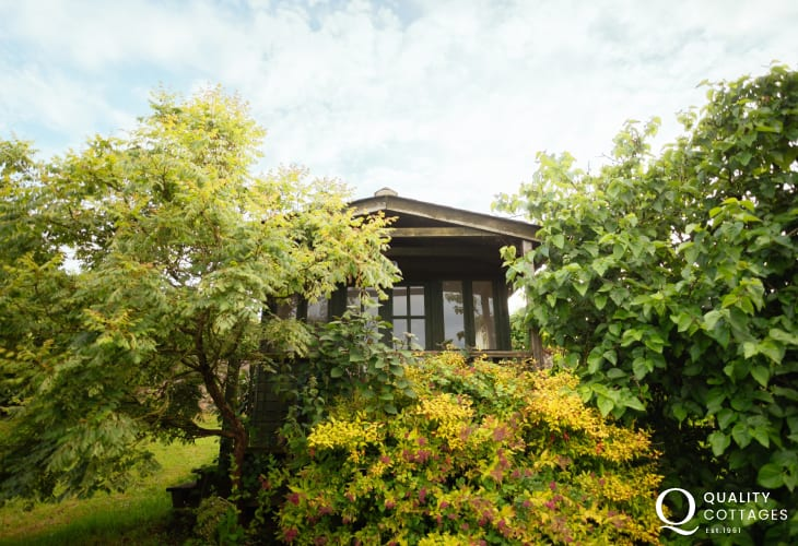 Llanmadoc cottage holiday with summerhouse to enjoy