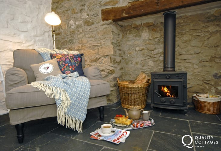 North Pembrokeshire comfy hoiday home with log burner
