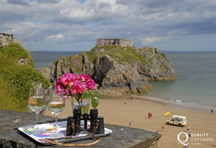 Holiday home Tenby overlooking  Castle Beach and St Catherines Fort