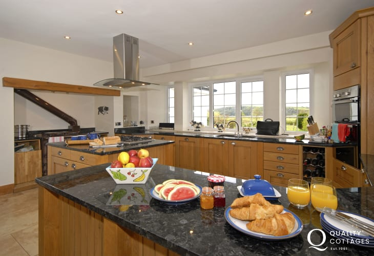 National Botanical Gardens - large holiday home with luxury kitchen