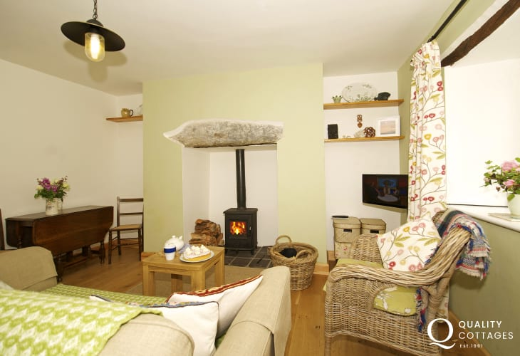 Romantic holiday cottage for 2 north Wales - lounge