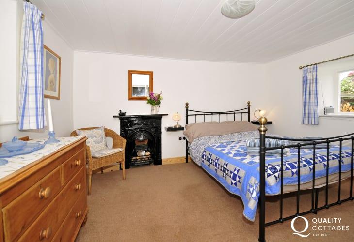 Caernarfon holiday cottage - bedroom