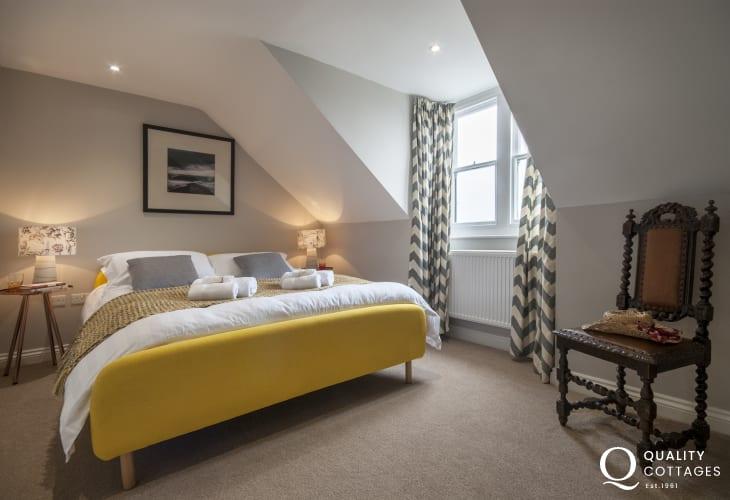 North Pembrokeshire apartment sleeping 4 - second floor king size master bedroom