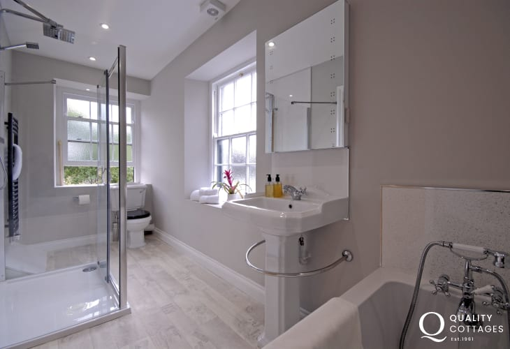 St Davids holiday apartment - first floor family bathroom with walk in shower