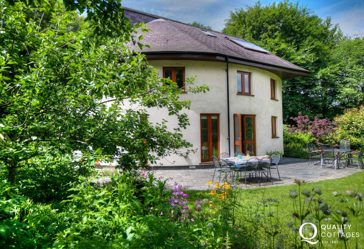 Luxury Carmarthenshire holiday cottage - exterior