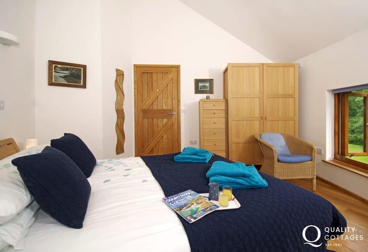 Pet free 5*holiday cottage Llandovery - bedroom