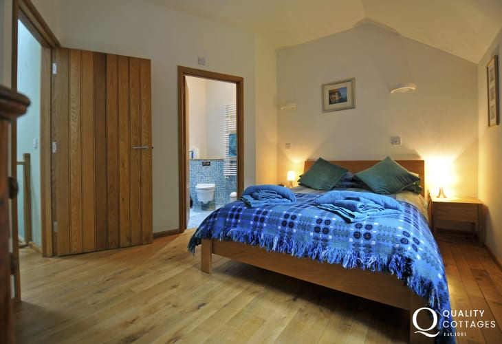 Pet free holiday cottage Llandovery - bedroom