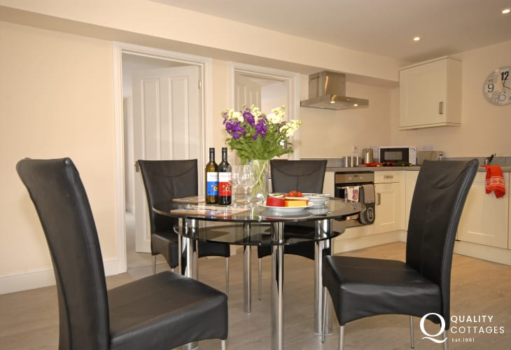 St Davids Self-catering accommodation - modern smart kitchen/diner