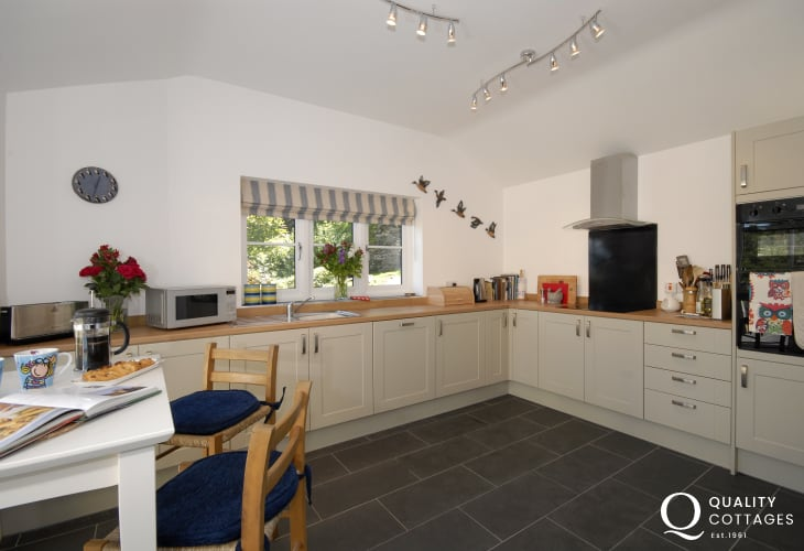 Pembrokeshire coastal path runs from Cwm yr Eglwys - luxury kitchen electric oven and hob, dishwasher and breakfast table