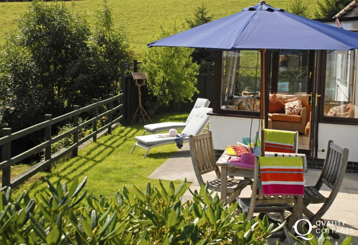 Pet friendly holiday home in Llansteffan with small gardens