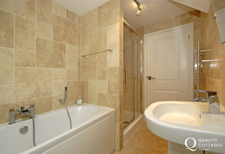 Solva holiday cottage - family bathroom with seperate walk-in shower