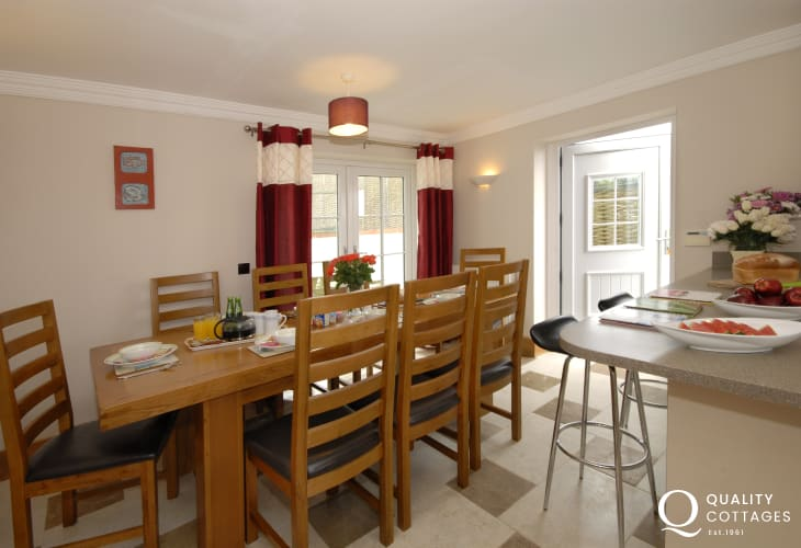 Self- catering holiday cottage Solva - spacious open plan kitchen/dining room with French doors to garden