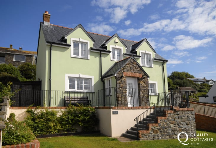 Solva spacious holiday cottage with enclosed rear gardens and sea views