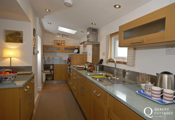 Self catering Solva cottage with modern galley style fitted kitchen
