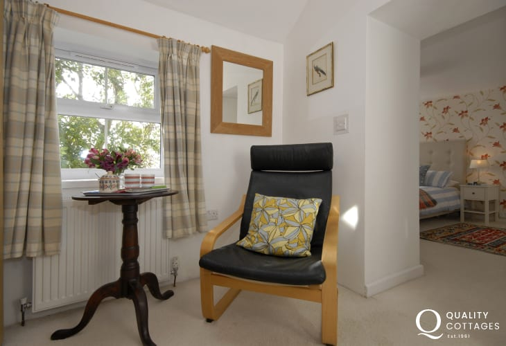 Solva coastal cottage - master with dressing room