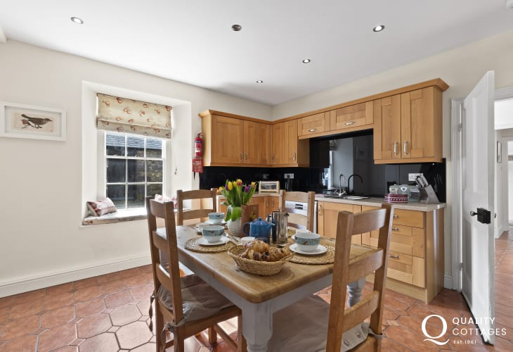 Self-catering Pembrokeshire St Davids - luxury modern kitchen