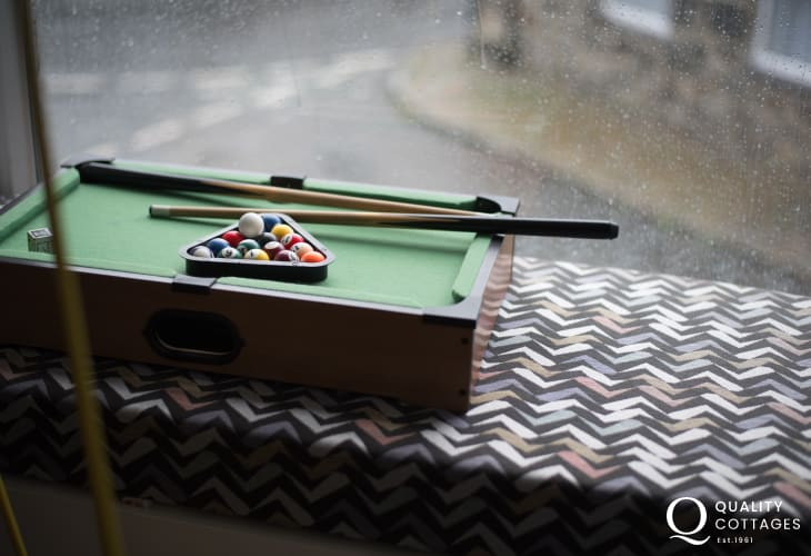 Luxury holiday cottage games