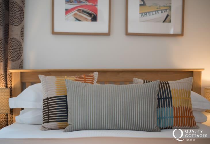 Coastal Cottage wales double bedroom - mood