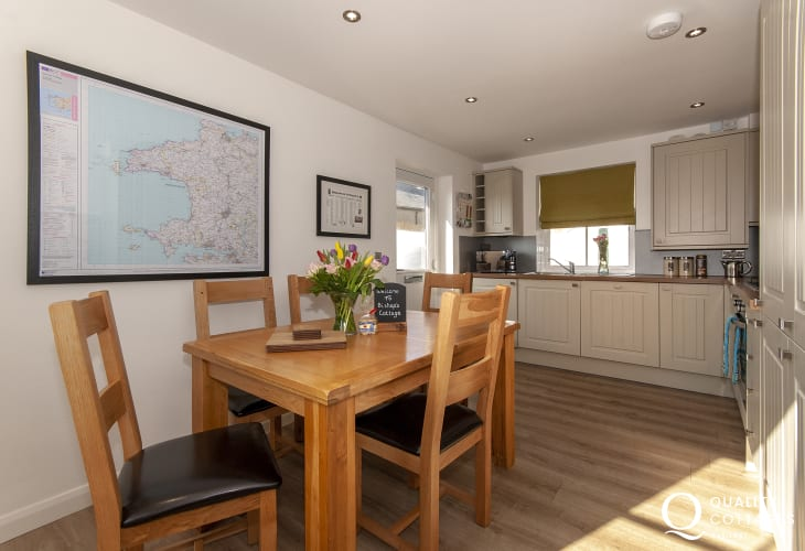 Holiday cottage with off road parking in central St.Davids, Pembrokeshire - modern open plan kitchen / diner.