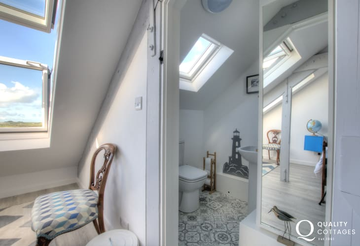 St Davids holiday house Pembrokeshire - double bedroom ensuite