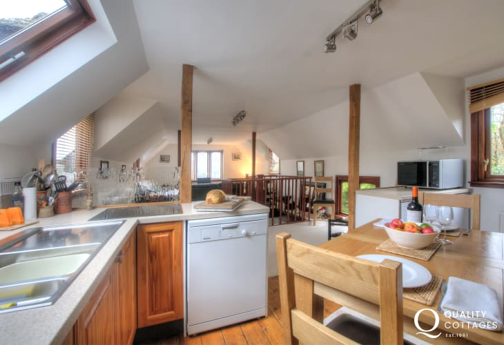 Crickhowell holiday cottage - dining