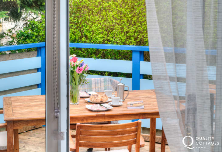 Borth y Gest holiday cottage - patio