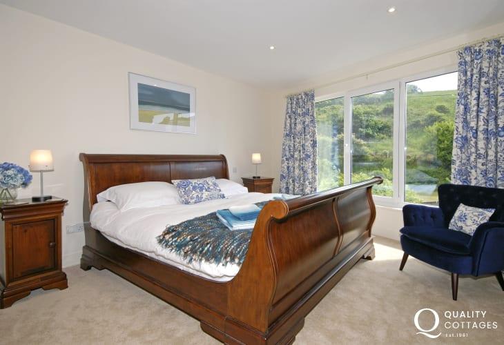 Little Haven house sleeps 10 - ground floor super king size bedroom