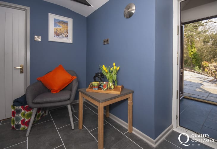 Cardigan Coast holiday retreat - chic kitchen corner with door to terrace
