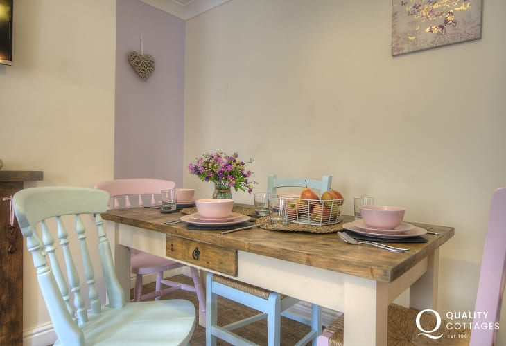 Dolgellau holiday cottage  - dining