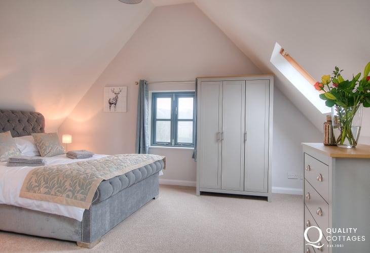 Cottage holiday St Davids - double bedroom