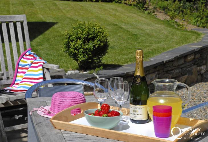 Romantic retreat cottage gardens