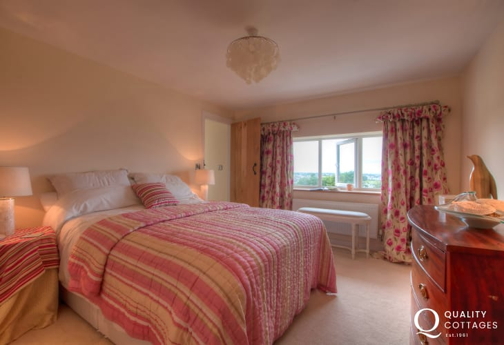 Nefyn holiday cottage - double bedroom