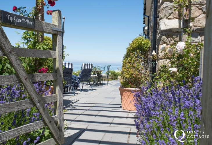 Luxury holiday cottage welsh coast - patio