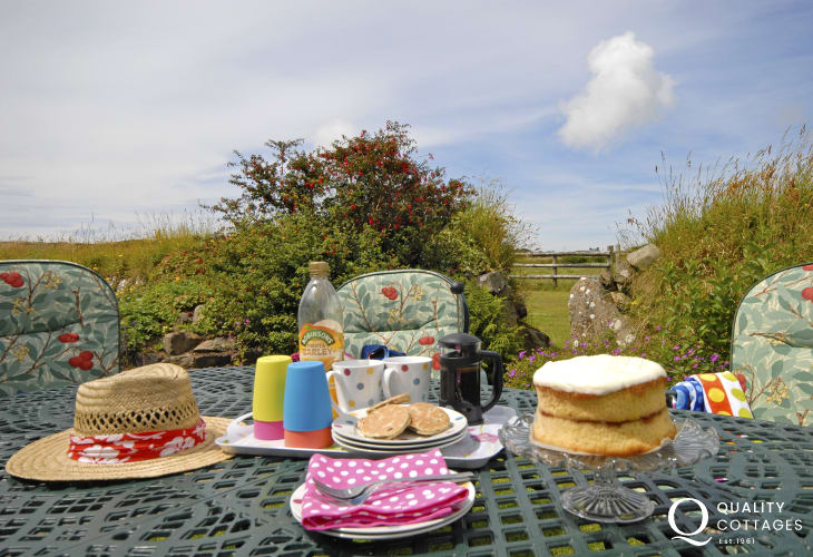 Tea and Cake at Buttercup Cottage