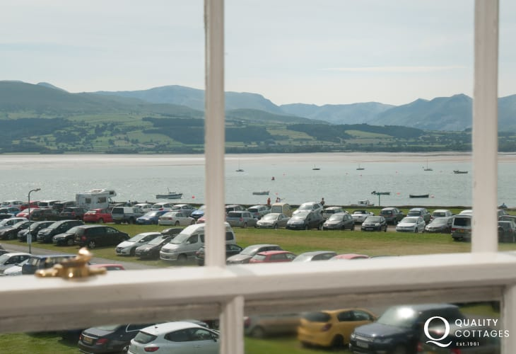 pet friendly Beaumaris holiday house