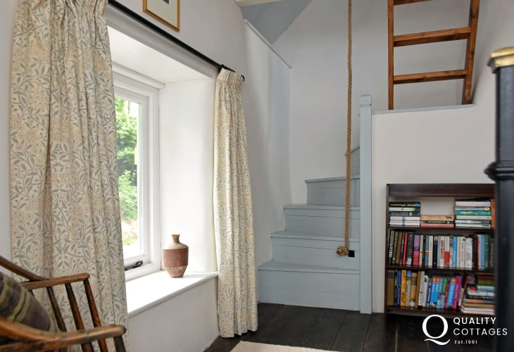 South Wales cottage holiday - double bedroom