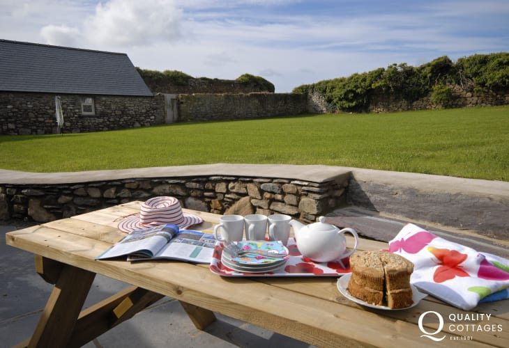 Porthclais holiday cottage with private garden
