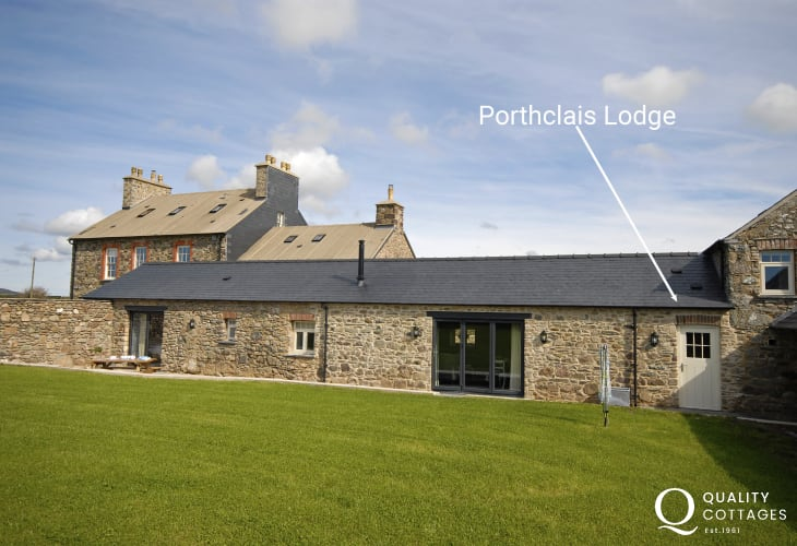 Porthclais, St Davids Peninsula - renovated holiday cottage with private gardens