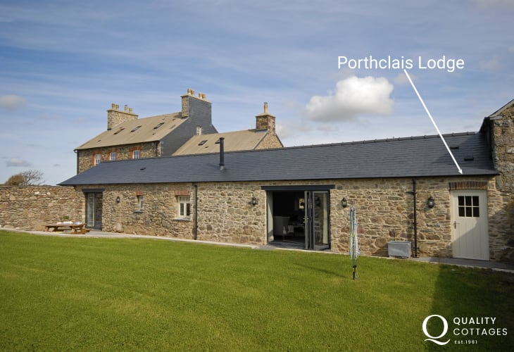 Porthclais, St Davids Peninsula - luxury holiday cottage sleeps 4