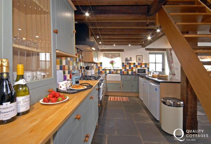 Modern, fully fitted country style kitchen