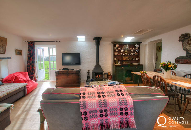 Pembrokeshire holiday cottage - lounge