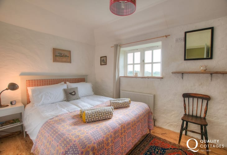 Stackpole holiday cottage - ground floor double bedroom